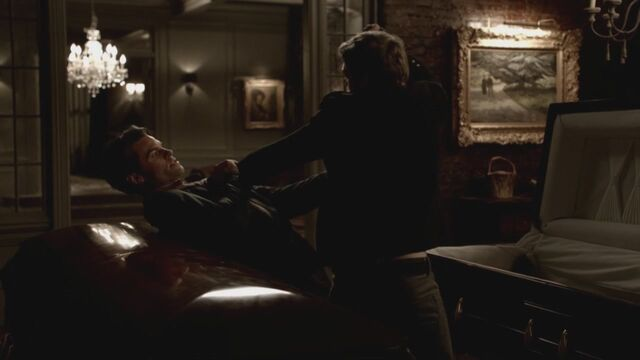 File:The-Vampire-Diaries-3x13-Bringing-Out-the-Dead-HD-Screencaps-elijah-28811450-1280-720.jpg