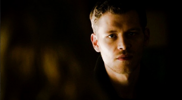 File:Klaus looking Caroline 4x14.png