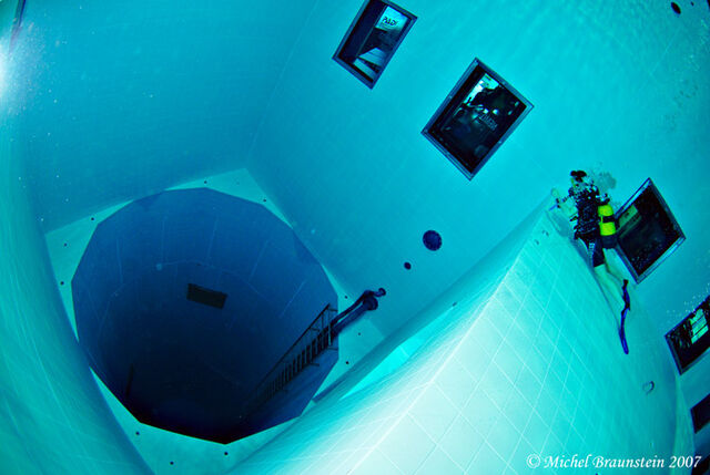 File:Nemo-33-pool-gessato-gblog-5.jpg