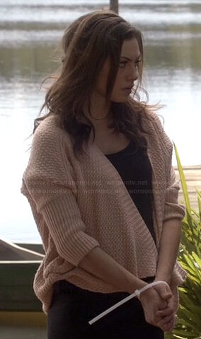 File:Hayleys-knit-cardigan.jpg