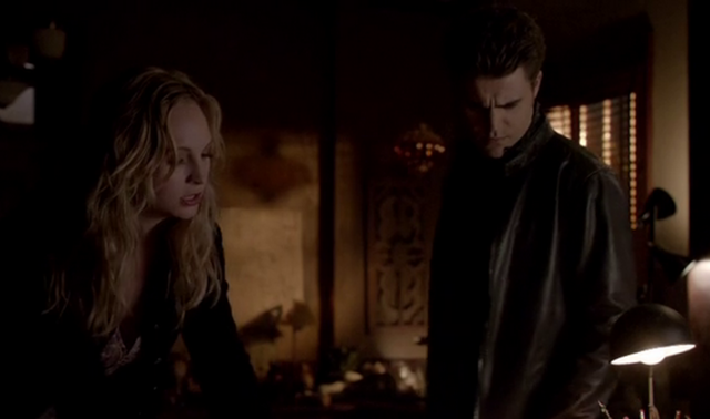 File:Caroline and Stefan 4x17.png