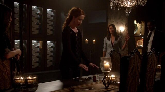 File:The Originals S01E21 mkv1642.jpg