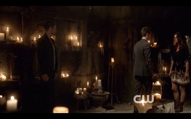 File:1x22-Klaus, Hayley and Elijah.png