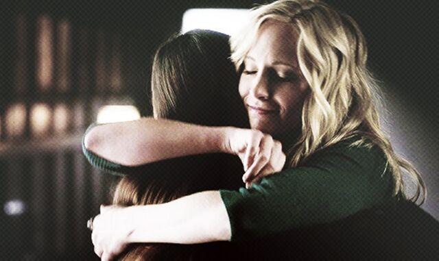 File:Elena and Caroline 4x8.jpg