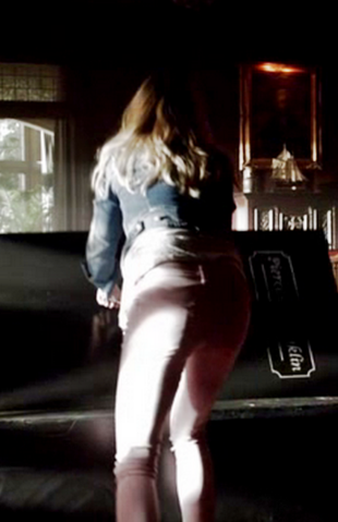 File:5x9 Caroline Forbes The Cell.png