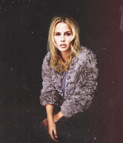 File:Claireholt5.png