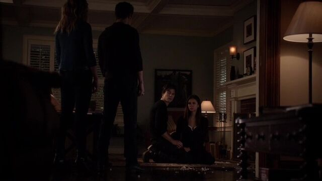 File:TVD4x15-Gilbert House 30.jpg