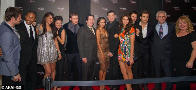 File:The Vampire Diaries 100th episode celebration (1).jpg