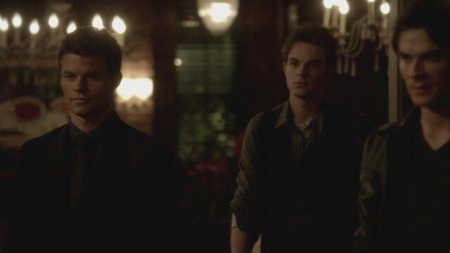 File:The-Vampire-Diaries-3x13-Bringing-Out-the-Dead-HD-Screencaps-elijah-28812054-1280-720.jpg
