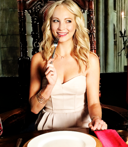 File:Candice accola season 6.png