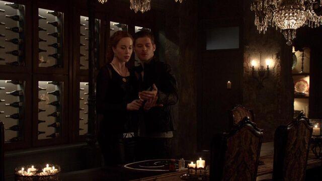 File:The Originals S01E21 mkv1266.jpg