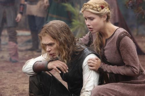 File:Old-school-klaus-and-rebekah-2.jpeg