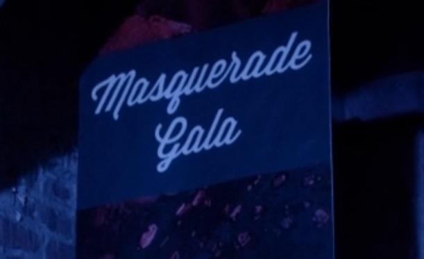 File:Masquerade Gala TO 1x03.jpg