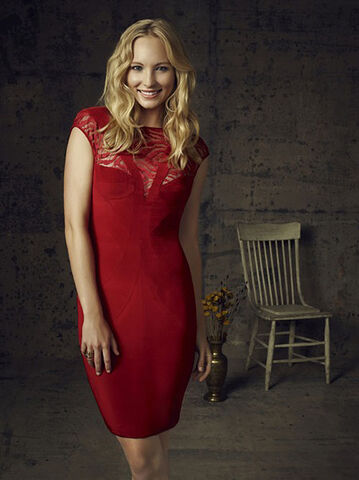 File:Vampire-diaries-season-4-cast-photos-caroline.jpg