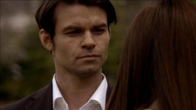 File:Elijah-and-Elena-in-Klaus-2x19-elijah-and-elena-21741440-1921-1080.jpg