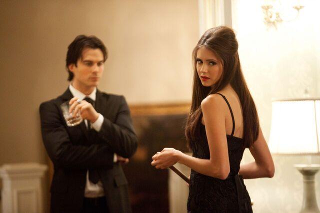 File:Vampire-diaries-season-2-masquerade (32).jpg