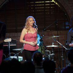 Caroline singing