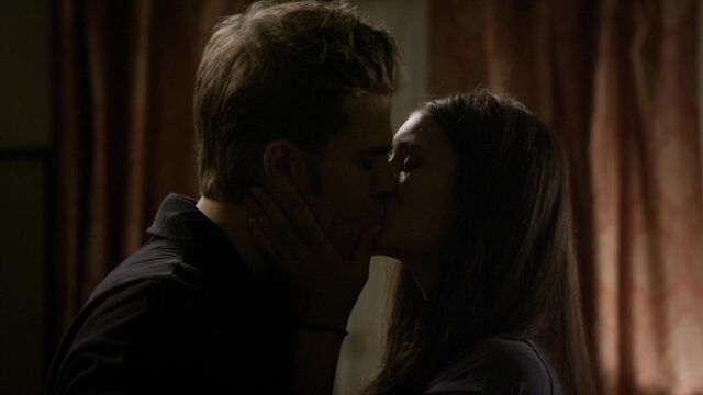 File:The Vampire Diaries S02E04 2816.jpg