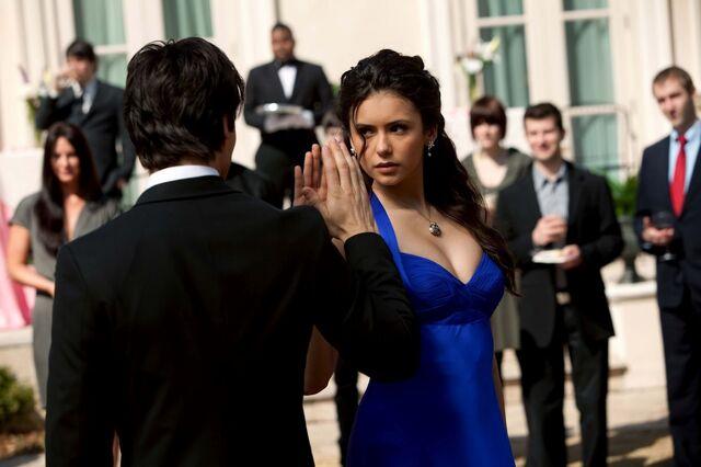 File:1-19-Miss-Mystic-Falls-the-vampire-diaries-20467109-2048-1365.jpg