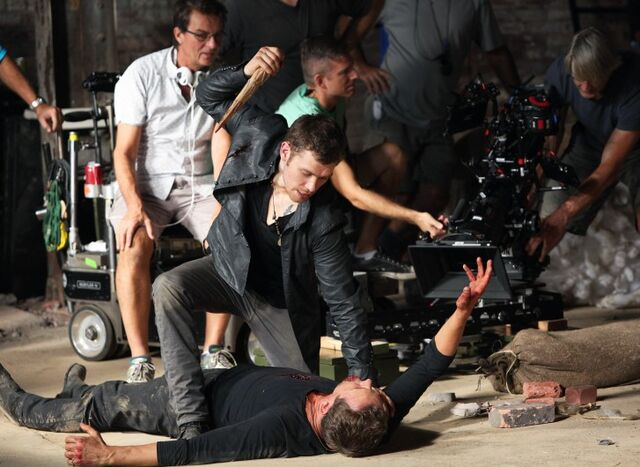 File:The originals red door behind the scenes 9.jpg