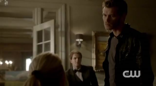 File:Klaus talking to Rebekah Dangerous Liaisons 014.jpg