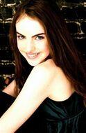 Elizabeth-Gillies-elizabeth-gillies-12416789-260-399