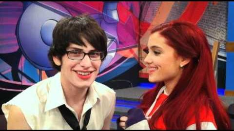 Victorious Cat & Robbie Play - FUNNY