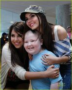 Icarly-victorious-memphis-st-jude-03