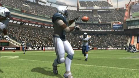 Backbreaker (VG) (2010) - Featurette XBOX 360 passing tutorial