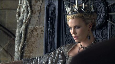 Snow White and the Huntsman (2012) - Featurette Death In The Throne Room