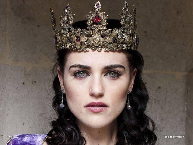File:Crowned Morgana Pendragon.jpg