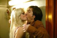 Mike and Samantha kissing