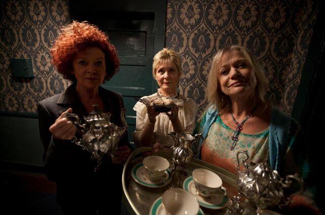 File:The Doyle Sisters.jpg