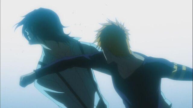 File:Ichigo-punches-tsukishima.jpg