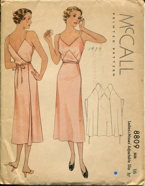 McCall 8809 Size 16