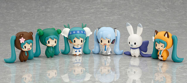 File:Capsule Factory Snow Miku and Friends from the North.jpg