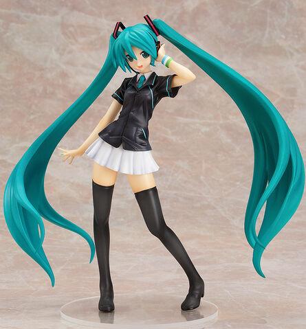 File:Hatsune Miku 1 8 FamilyMart figurine.jpg