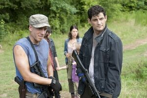 The-walking-dead-season-4-kirk-acevedo-enver-gjokaj