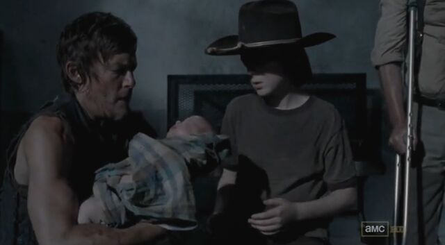 File:Daryl baby carl.jpg