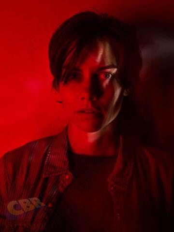 File:TWDMaggie-Season7-Red.jpg