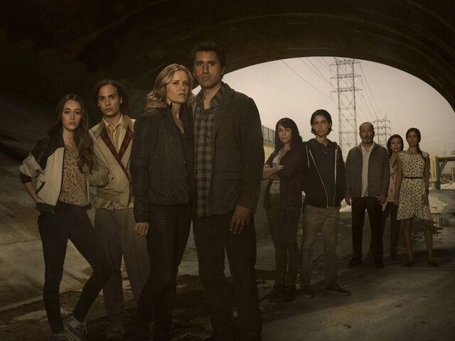 File:Fear-the-Walking-Dead-Main-Cast-photo.jpg