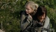 Beth and Daryl piggybackride oh so really cute