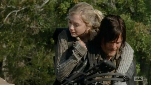 File:Beth and Daryl piggybackride oh so really cute.JPG