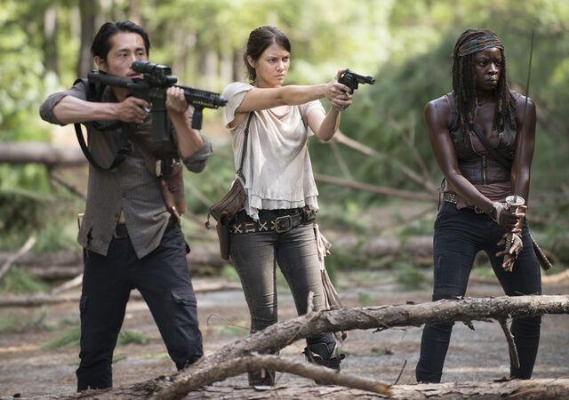 File:5x11 Glenn, Maggie & Michonne.jpg