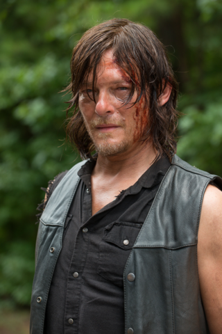 File:AMC 609 Daryl Uneasy.png
