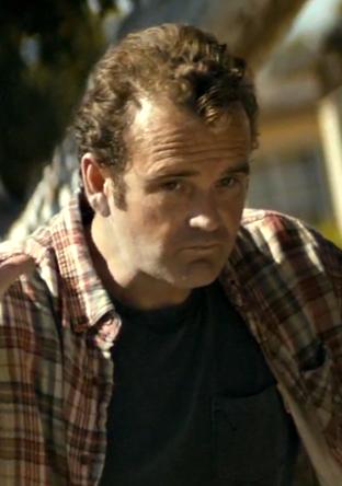 File:Peter Dawson 1x02b.png
