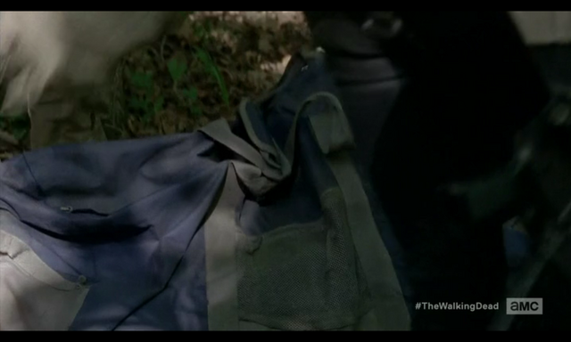 File:5x02 Bag Of Guns.png