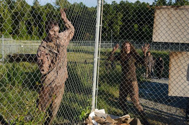 File:Walking-Dead-311-18.jpg