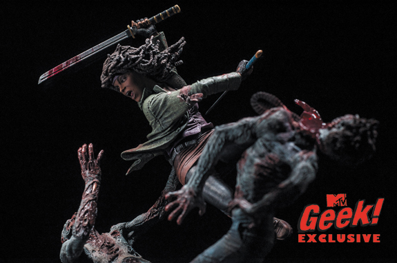 File:Michonne Statue 1.jpg
