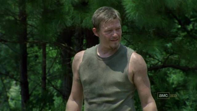 File:The-Walking-Dead-1x05-Wildfire-Daryl-Dixon-Cap mid.jpg